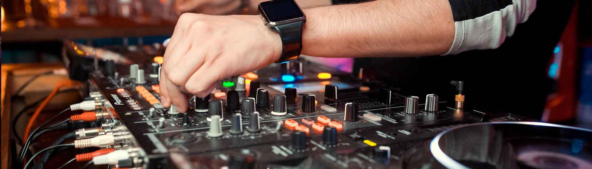 rhodes-events-sound-equipment-services-header
